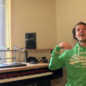 """Møme : Après """"Aloha"""", l'artiste joue dans la cours des grands (exclu vidéo)"""
