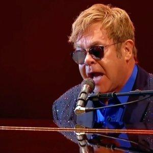 Elton John : en soins intensifs, il est tombé gravement malade