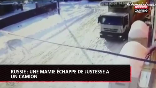 Russie : une mamie échappe de justesse à un camion (vidéo)